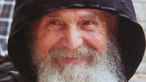 Ο μακαριστός Γέροντας Εφραίμ Αριζόνας μιλά για το Άγιον Όρος και τις πνευματικές ομορφιές του