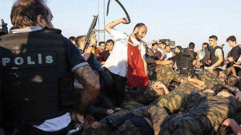 Ποιοι ήταν πίσω και γιατί απέτυχε το πραξικόπημα κατά του Ερντογάν