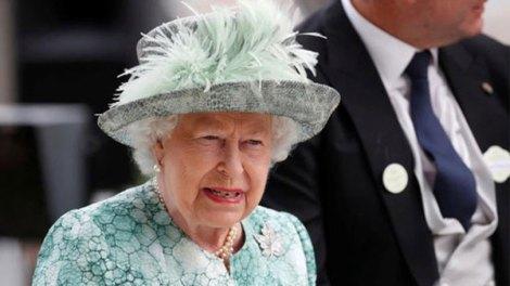 Κόσμος | Τι είπε η βασίλισσα Ελισάβετ για τα Γλυπτά του Παρθενώνα