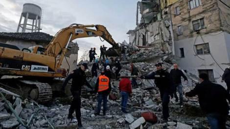Κόσμος | Φονικός σεισμός στην Αλβανία - Συγκλονιστικό βίντεο με απεγκλωβισμό παιδιού