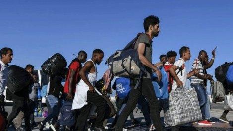 Ελλάδα | Στον Βόλο οι πρώτοι πρόσφυγες από δομές των νησιών του Αιγαίου