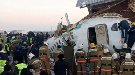 Κόσμος | Έπεσε αεροπλάνο με 100 επιβάτες στο Καζακστάν