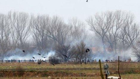 Έβρος: Ένταση και δακρυγόνα στα σύνορα
