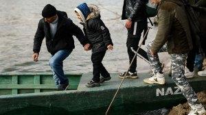 Μια καλή ιδέα να συγκεντρώσεις λεφτά – Ρίξε το φταίξιμο στους Έλληνες για τους μετανάστες