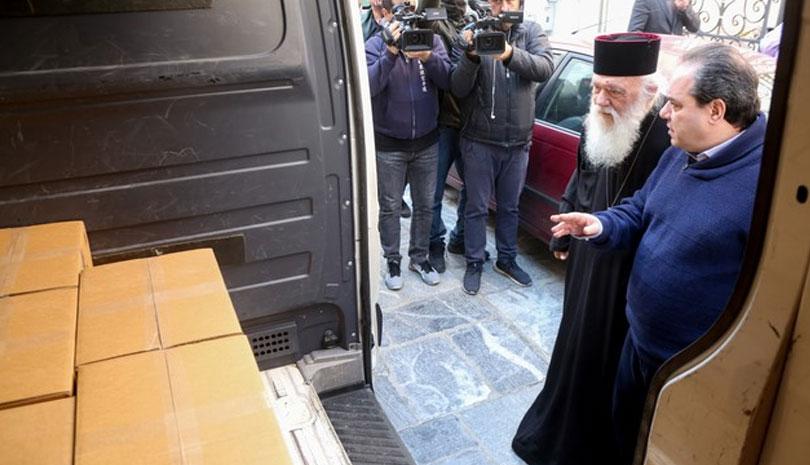 Χιλιάδες δέματα αγάπης σε ανθρώπους που έχουν ανάγκη από την Ιερά Αρχιεπισκοπή Αθηνών
