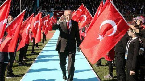 Ο Ερντογάν τα βάζει και με τις ΗΠΑ