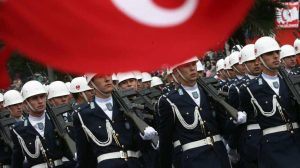 Στρατηγική ψυχραιμία με αντίμετρα απέναντι στην Τουρκία και όχι με κατευνασμό