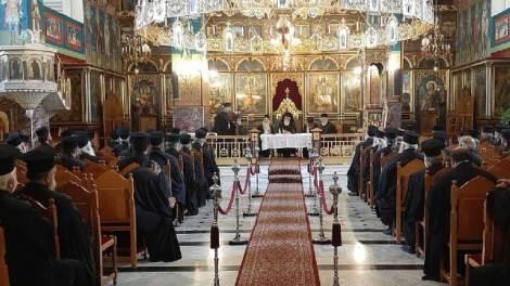 Ι.Μ. Καλαβρύτων και Αιγιαλείας: Ιερατική Σύναξη στον Ιερό Μητροπολιτικό Ναό Παναγίας Φανερωμένης Αιγίου