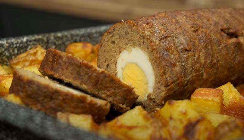 Κυριακάτικη Συνταγή: Νόστιμο Ρολό κιμά με πατάτες