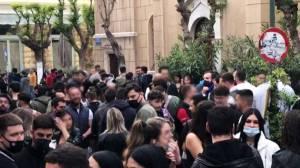 """Αθήνα: """"Χοροί και πανηγύρια"""" στις πλατείες"""