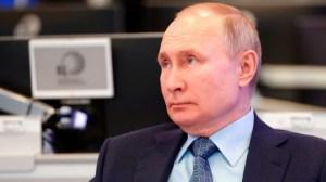 """Πρόεδρος Πούτιν: """"Μόλις τώρα έκανα τη δεύτερη δόση του εμβολίου"""""""
