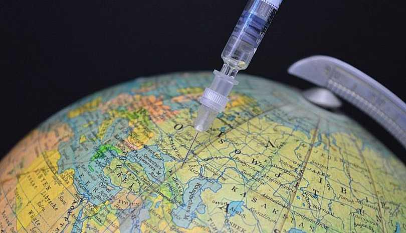 Τελικά πόσο κοστίζει κάθε εμβόλιο;