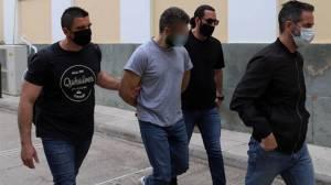Έγκλημα στα Καλύβια: Τον σκότωσε επειδή φοβόταν ότι θα πάθει λευχαιμία από ...μάγια
