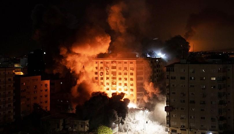 Κόλαση στο Ισραήλ από εξεγέρσεις και ρουκέτες της Χαμάς