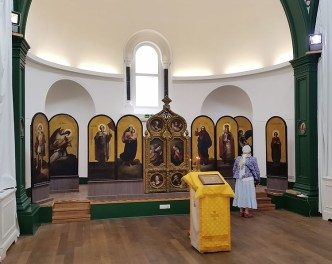 Welbeck St church with returned iconostasis