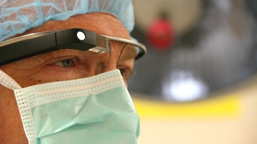 google-glass-streaming-surgery
