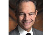 Photo of Christopher T. Olivia, MD Named CEO of Rothman Orthopaedics