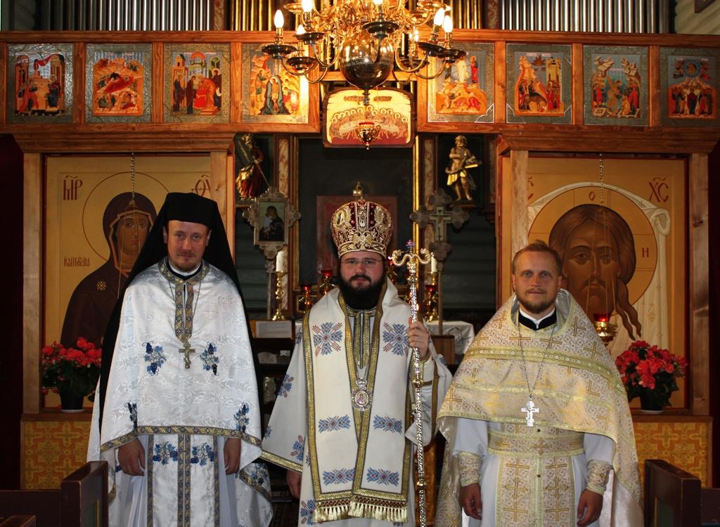 игумен Климент Хухтамяки, румынский епископ Макарие Драгой, иерей Александр Волохань