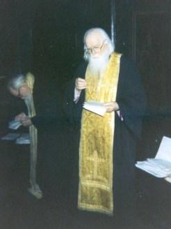 sofian-boghiu-in-sfantul-altar-anul-1998