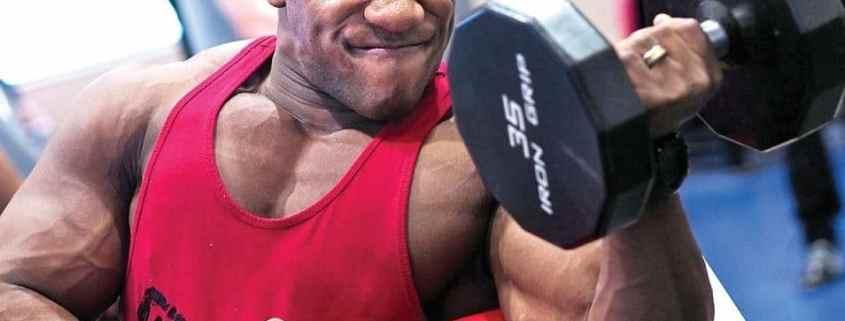 Exercícios que podem ocasionar dores no cotovelo durante a musculação