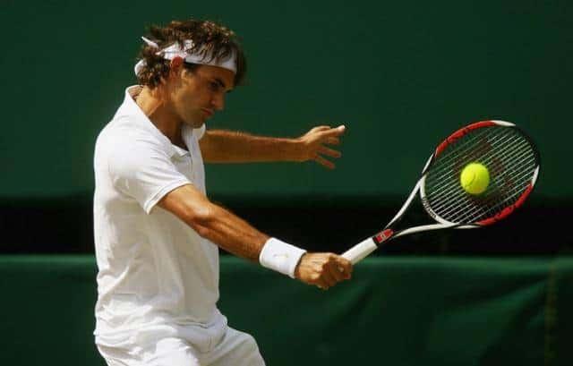 Backhand sem técnica adequada pode ocasionar cotovelo de tenista
