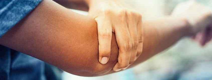 A rigidez de cotovelo pode ser dolorosa ou não!