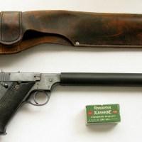 Prvi prigušeni malokalibarski pištolji