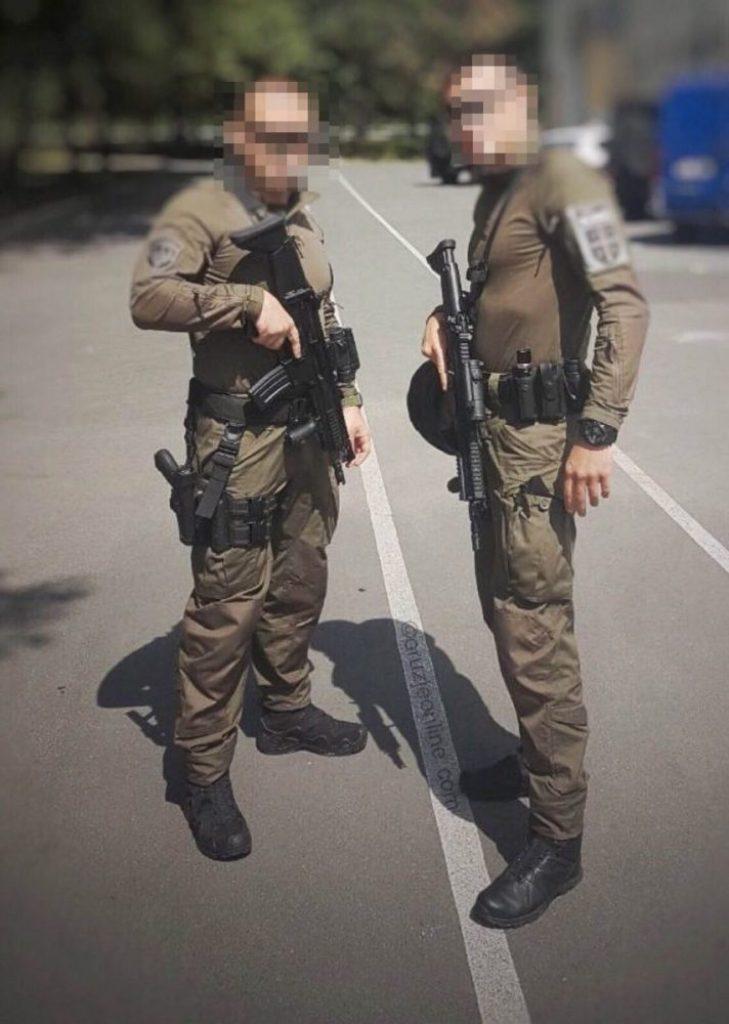Pripadnici Specijalne brigade naoružani puškama SCAR-L