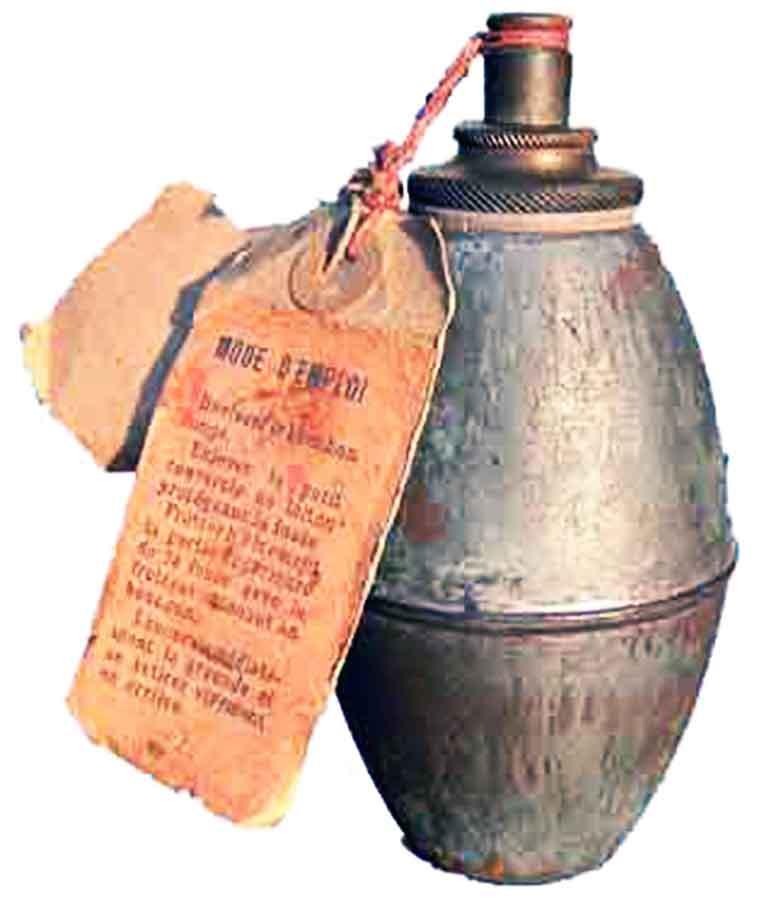 Prva francuska bomba sa suzavcem M1913