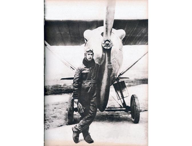 "Major Miodrag Tomić (1888–1962), saborac Mihaila Petrovića od Etampa do Babaluša. Beograd, 1928. ""Ilustrovani list"" 1928."