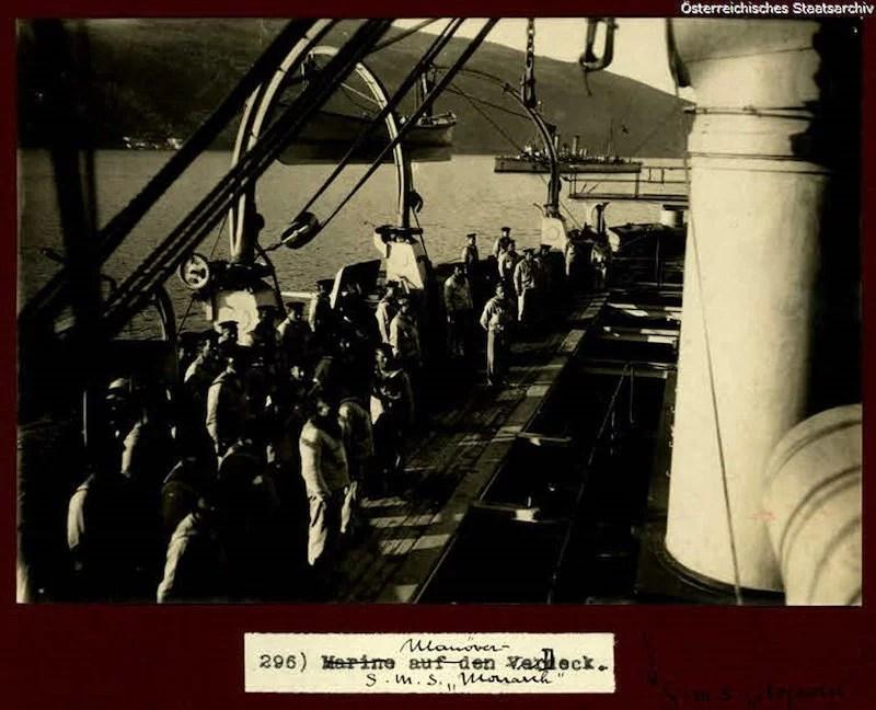 Monarch iz bokokotorskog zaliva dejstvuje na crnogorske polozaje na Lovcenu