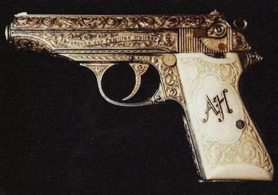 Originalni zlatni Valter PP – poklon Adolfu Hitleru