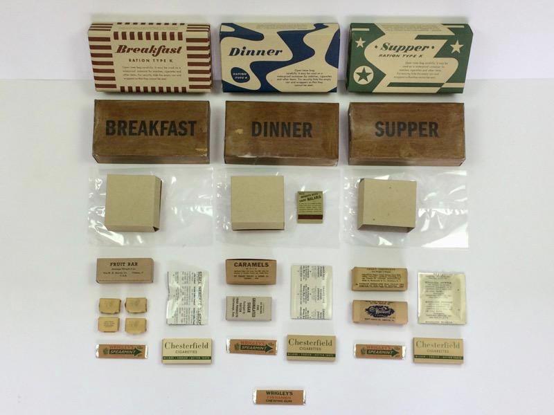 Pakovanje K-sledovanja (K ration) u kojima su, pored osnovnih namirnica, bile i cigarete