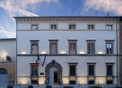 Fondazione Cassa di Risparmio:donato un mezzo speciale all'A.F.H.C.O.
