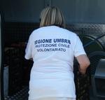 Un gruppo di studenti dell'Istituto alberghiero di Orvieto impegnato nella mensa degli sfollati di Finale Emilia.