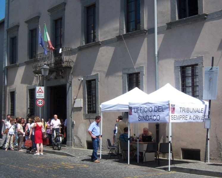 Tribunale: il 2°giorno della protesta del sindaco
