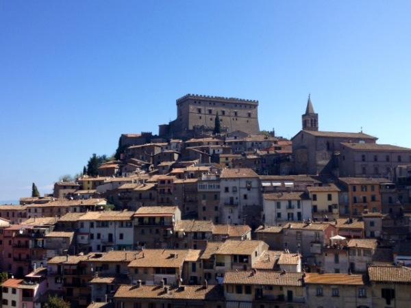 """Soriano, il Castello Orsini nelle pagine del quotidiano inglese """"Sunday Times"""""""