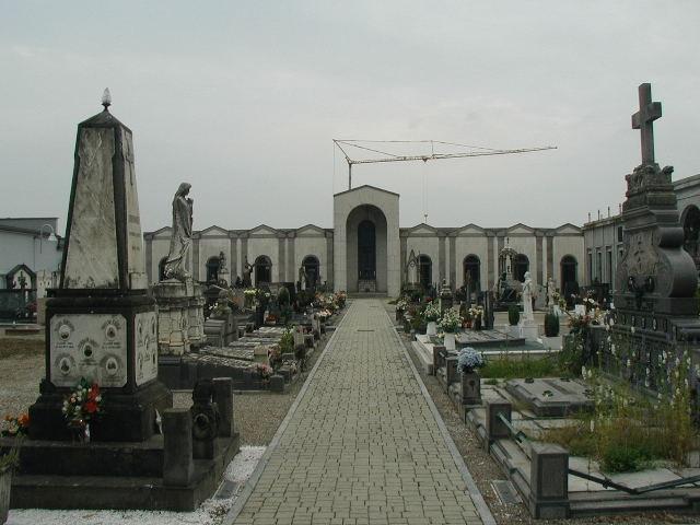 Razzia di rame al cimitero di Carnaiola