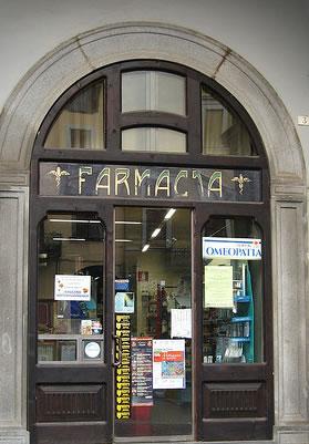 Farmacia, troppe pressioni: le dipendenti si rivolgono alla Procura