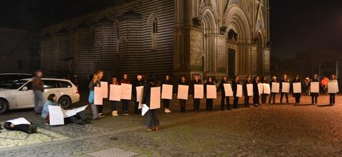 FLASH MOB per ricordare che nel 2012 sono state uccise 117 donne