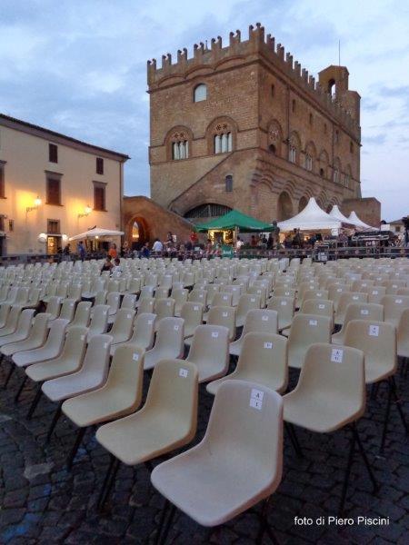 Arena estiva anche sulla Rupe, per tre giorni Piazza del Popolo si trasforma in cinema all'aperto