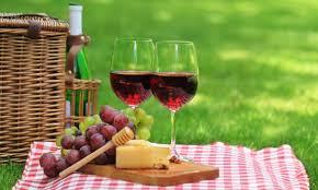 """Aperitivino presenta """"Montenibbio"""" di Vitalonga, il nuovo vino dei fratelli Maravalle"""