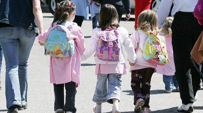 Più sicurezza ai bambini, stop al traffico davanti alle scuole