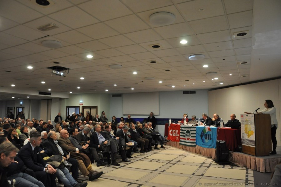 """Ricostruiamo? Marini al convegno di Cgil, Cisl e Uil: """"progetto socio-economico per favorire la ripartenza dell'economia regionale"""""""