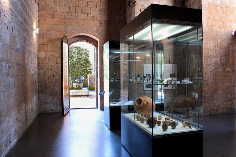 Il Museo Archeologico Nazionale di Orvieto in notturna con l'archeologo Paolo Binaco