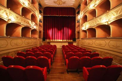 Weekend al Teatro Boni tra musica e prosa con Concerto al buio e la piece Prigionieri al 7° piano
