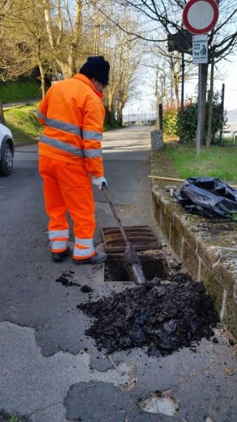 Caditoie stradali, iniziata in questi giorni la pulizia da parte operatori Cosp