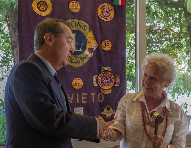 Passaggio della Campana al Lions Club Orvieto, il nuovo presidente è Renzo Marziantonio