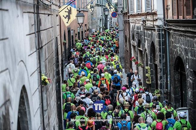 Oltre 2300 camminatori per la Francigena Marathon 2017. Evento riuscito, il Comune ringrazia