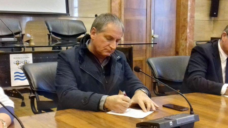 Covid-19, presidente Provincia Terni e Upi Umbria Lattanzi scrive a sindaci per giornata lutto in Italia